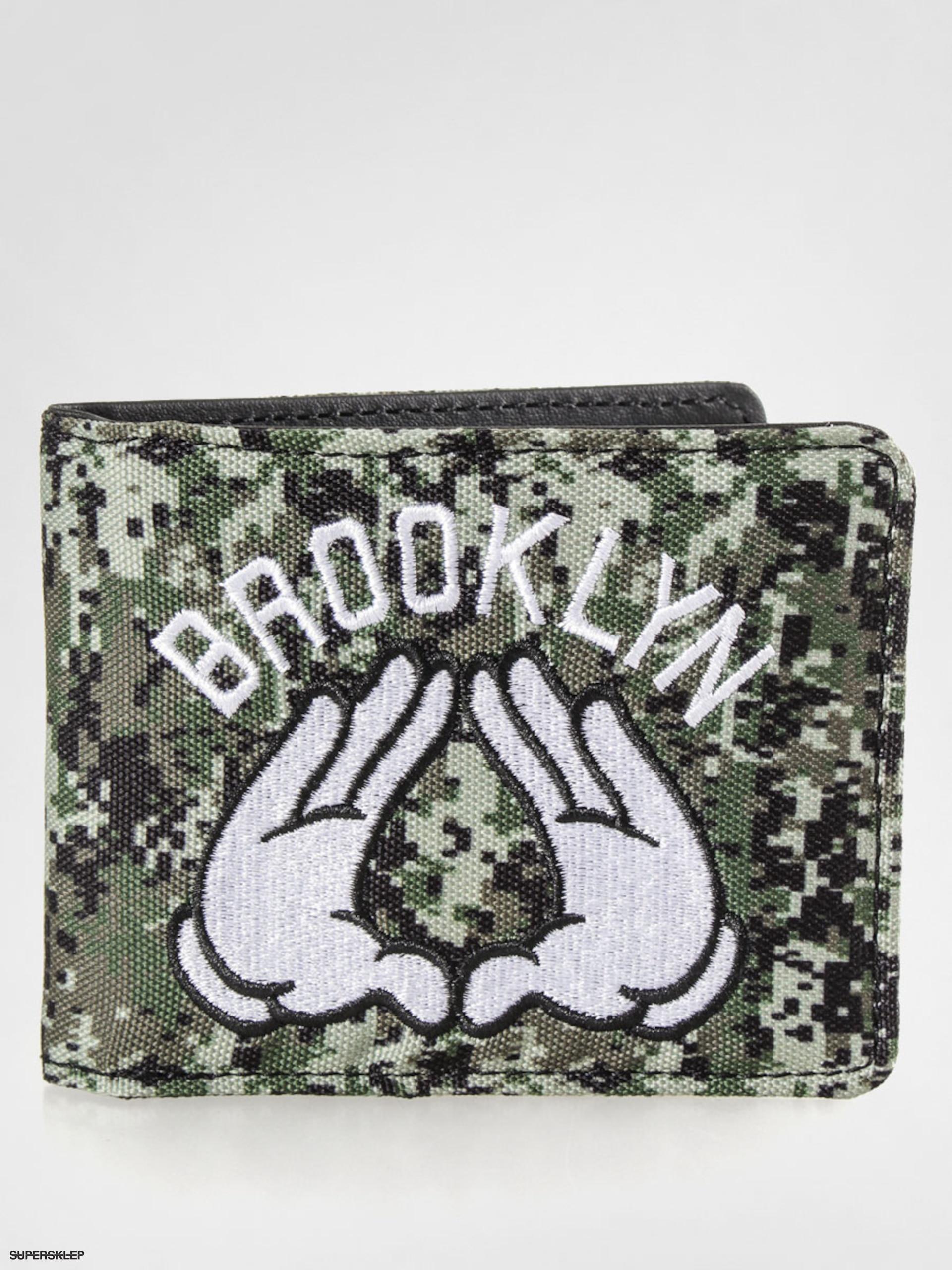 Peněženka Cayler   Sons Brooklyn (digi camo white black) 3b45099aa5