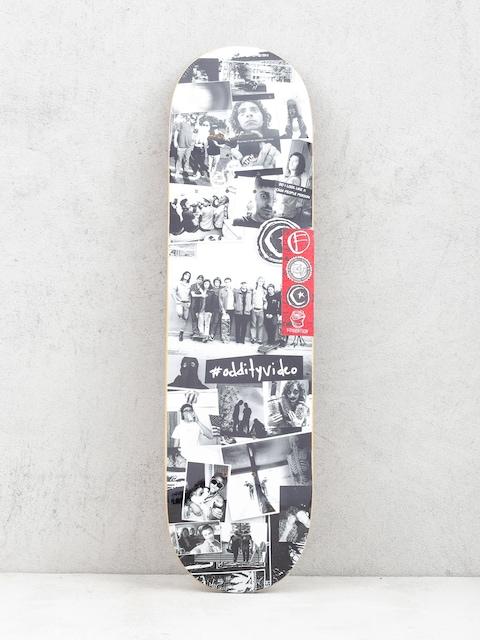 Deska Foundation Oddity Collage (black/white)
